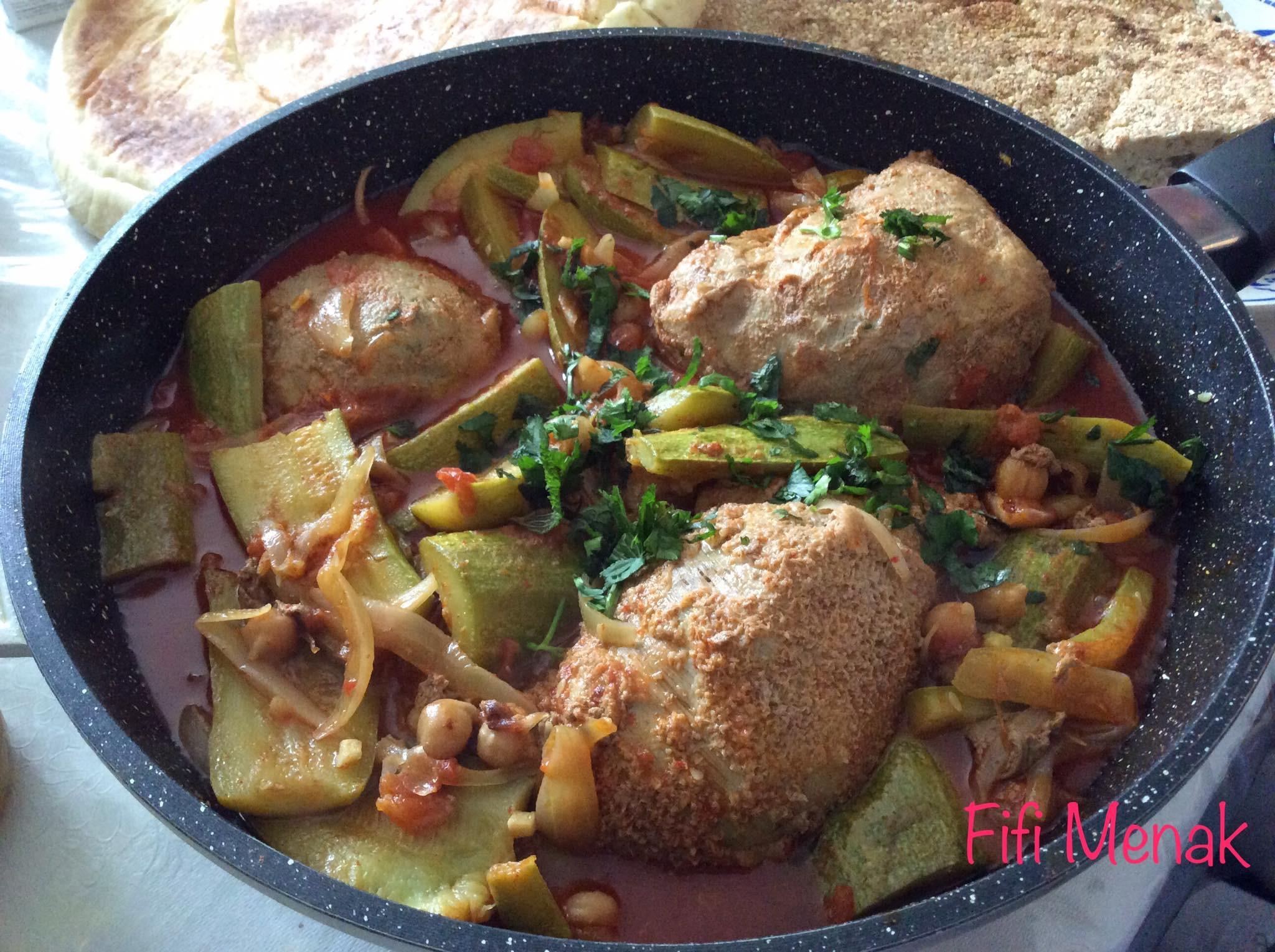 Panse farcie en sauce aux courgettes et oignons