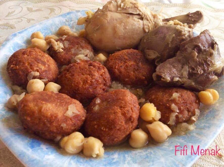Boulettes de pain rassis en sauce (Sfiriya)