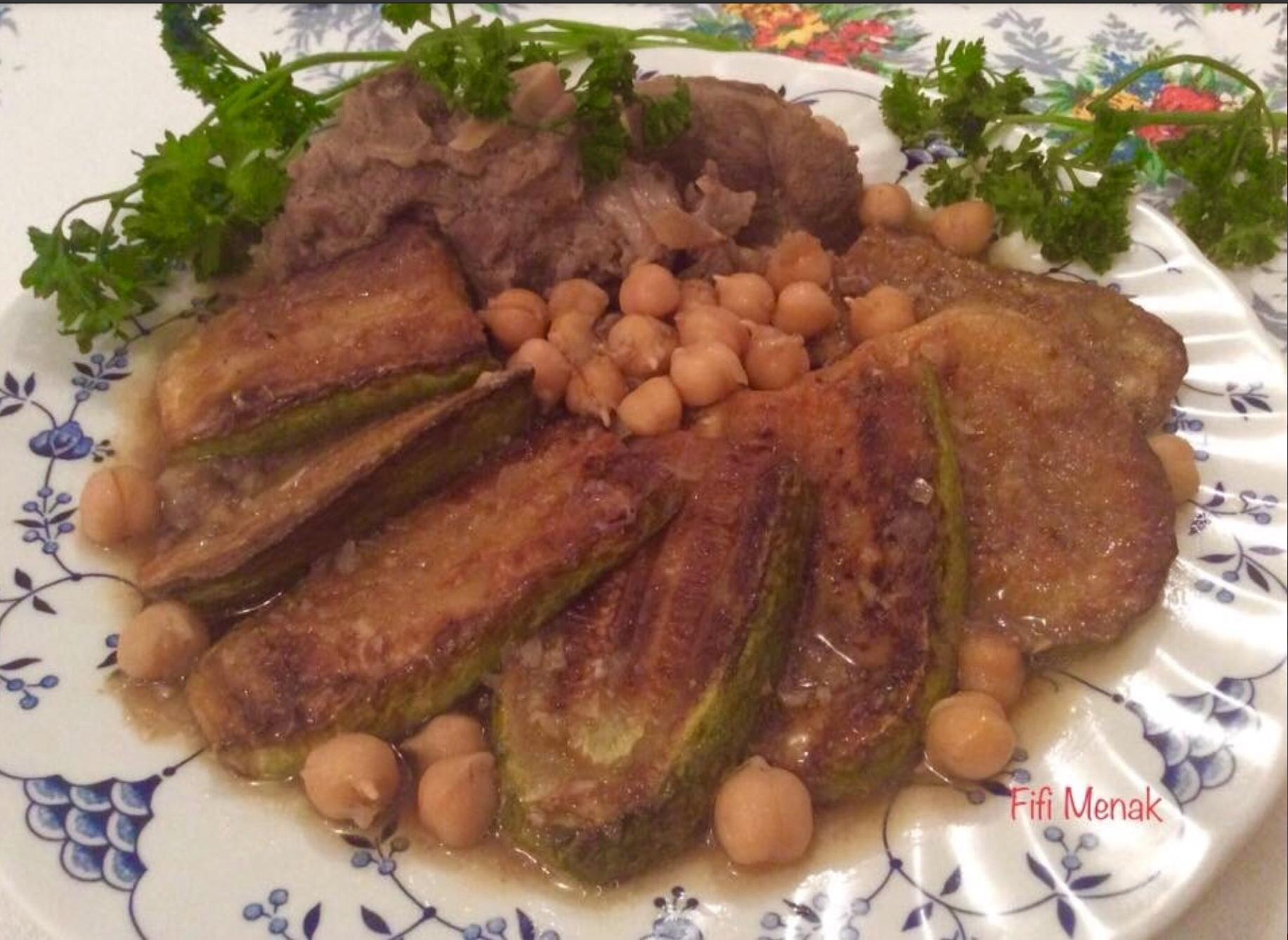 Courgettes frites en sauce blanche à l'ail et au carvi (Mderbel qaraa)